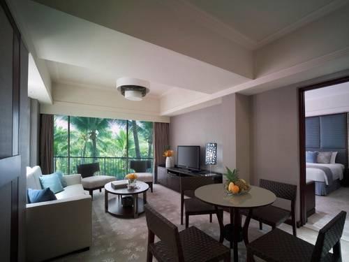 Shangri-la Casa Suite Living Room