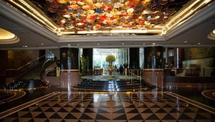 lobby-v6289156-1024