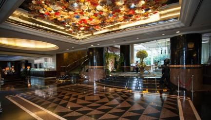 lobby-v6289339-1024